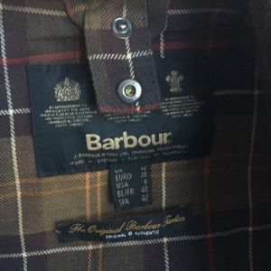 Barbour Beadnell Jacket in Olive